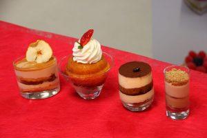 sladice v čašah